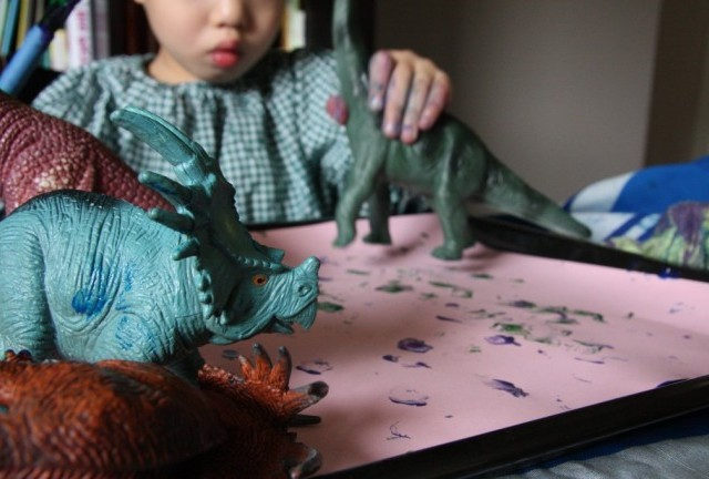 paint it: let the good times roll with dinosaurs