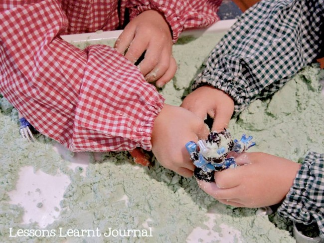 DIY Homemade Moon Sand via Lessons Learnt Journal 04 (1)