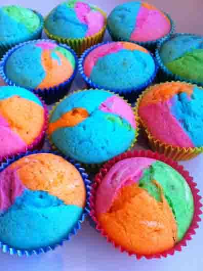 rainbow-cupcakes-baked