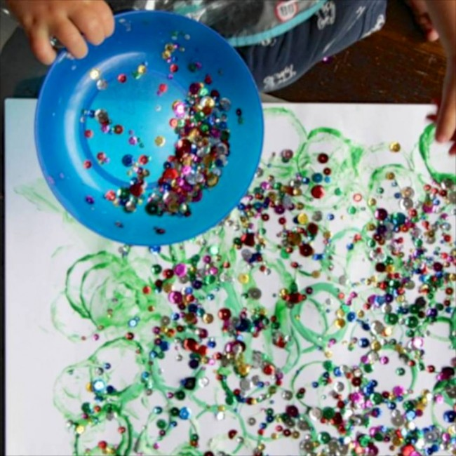Christmas Activities for Kids: Playful Toddler Art via Lessons Learnt Journal